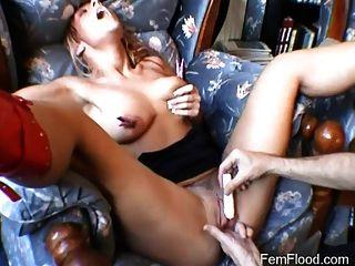 Carne coño obtiene las manos en el tratamiento del orgasmo