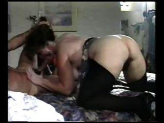 Sexy mom n114 peludo anal maduro milf con un joven