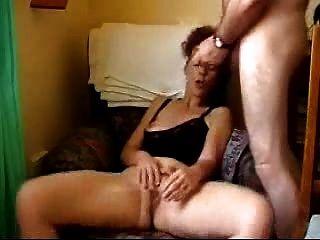 Masturbándose y se follando