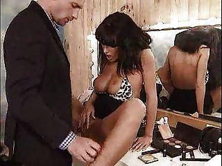 Anita follada duramente en su camerino ... f70