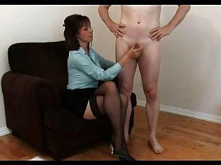 Sexy kelly da una entrevista de trabajo útil!