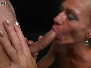 Madre madura mamando y joder duro muchacho