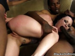 Black cock slut veruca james hard follada por la banda negra