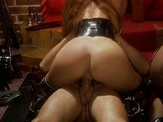 Sexo femenino en el castillo