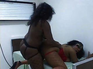Lesbianas negras en la oficina de los doctores