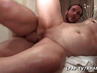 Doble penetración vaginales pour cette mature cochonne