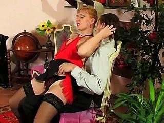 Sexy rubia madura sexo caliente con chico