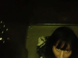 Conseguir la cabeza en el ascensor