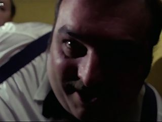 Edwige fenech una mujer policía en el pelotón porno
