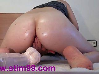 Extrema doble follando agujeros grandes consoladores coño y anal