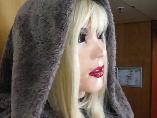 Hermosa muñeca de látex mia salir