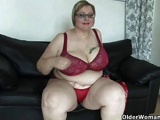 Bbw maduro con las tetas masivas se masturba