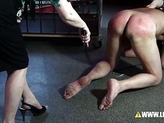 La mejor tortura de hamburgs castigada por 2 amantes