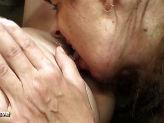 Caliente nena folla madre lesbiana madura traviesa