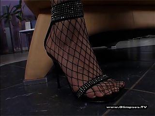 Minifalda y redes de pezones pequeños