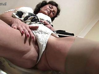 Sexy 51yo jacklin necesita una buena mierda