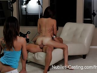 Nubiles casting tiny latina hottie hace su primer hardcore