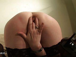 Rubia amateur ama de casa ciska le encanta desquitarse