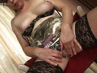 Milf amateur con vagina hambrienta peluda