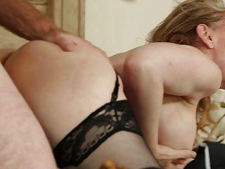Nina hartley mamá sexy en medias