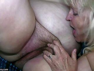 Oldnanny madura con grandes tetas masturbarse con abuelita gordita