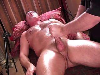 Orgasmo intenso de la mano