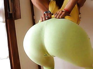 Culo redondo perfecto en pantalones de yoga ultra apretado!Cameltoe n tits