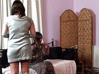 No su hija azotada por llegar tarde
