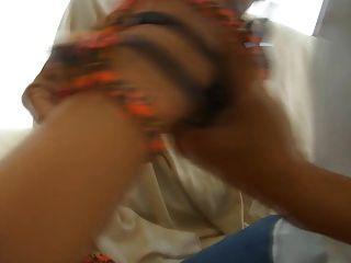 Chica rica mimada obtiene zapato follada con su $ 900 valentinos