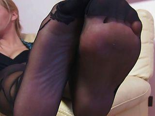 Mujer bonita nice nylonfeet 24
