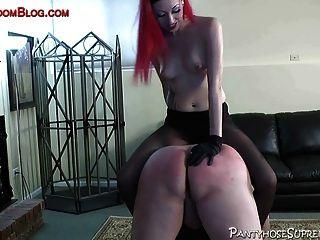 Pantyhose femdom strapon gallo tortura y azotes