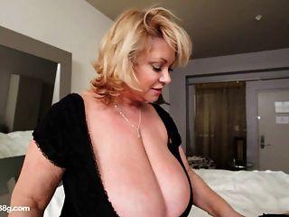 Bbw cougar dildos sexy regordeta busty babe in hotel room