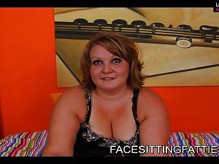 Bbw sexy girl paseos en la cara de los chicos pobres 1
