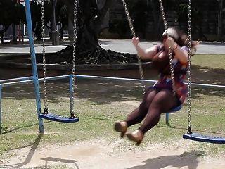 Penny underbust fanservice viernes swing