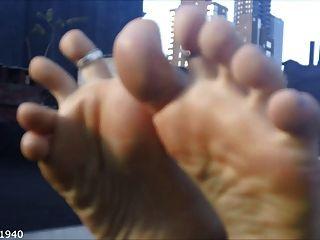 Soles de los pies y compilación wiggling del dedo del pie