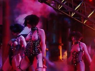 Gina gershon y elizabeth berkley escena desnuda de showgirls