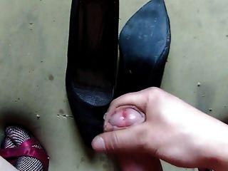 Yo en los zapatos de la hermana y los zapatos viejos cum mi hermana