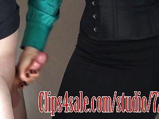 Falda negra cum 2