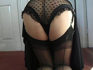 Suzy vestido de negro