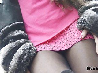 Petite salope en chinchilla fourrure \u0026 pantyhose erótico desnuda