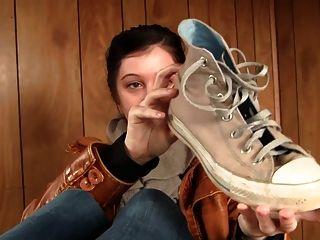 Calcetines sudorosos, zapatos pies