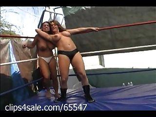 En la lucha femenina en clips4sale.com