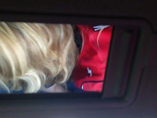 Cumslut barbie dando la cabeza de carretera
