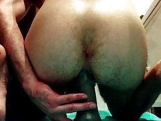 Follando mi culo con grandes dildos y tratando de puño