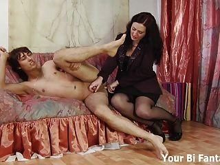 El pervertido asiático consigue un masaje caliente de la próstata
