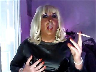 Chrissie, fumar, masturbación, negro, pvc, webcam