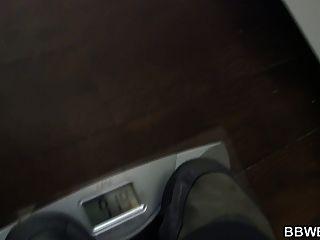 Gran botín graso atornillado en la ducha