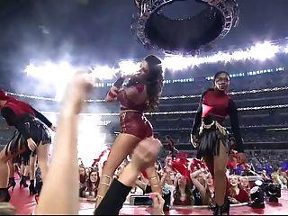 Selena gomez sexy live performance hd desacelerar