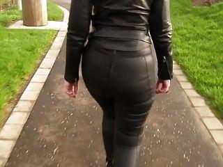 Eva de cuero para un paseo en mis nuevas polainas de cuero 5