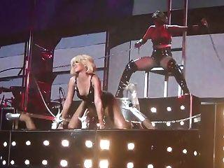 Rihanna sexy como el infierno s \u0026 m live non nude
